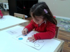 girl coloring circles2